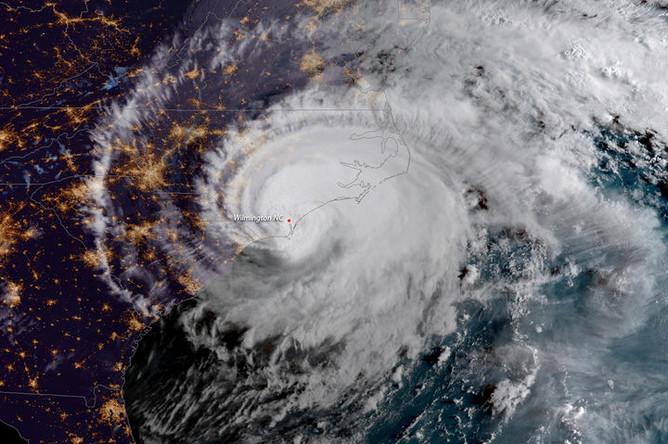 Визуализация урагана Флоренс над Северной Каролиной, изображени NOAA