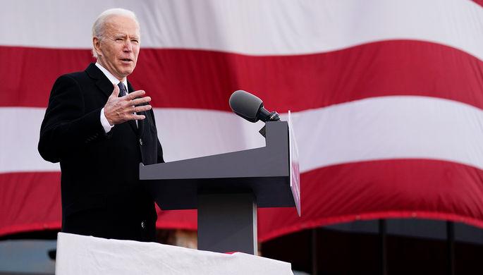 «Президент в ловушке»: как Байден собирается изменить США