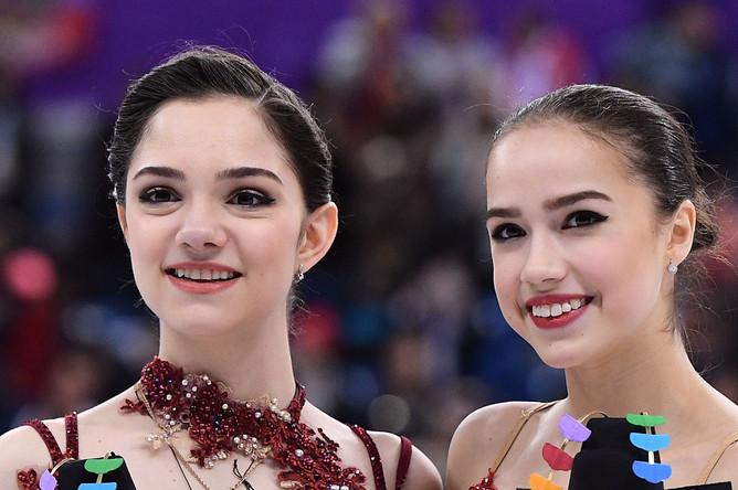 Российские призеры женского одиночного катания в соревнованиях по фигурному катанию на XXIII зимних Олимпийских играх, Евгения Медведева- серебряная медаль и Алина Загитова- золотая медаль