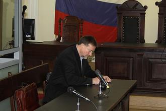 В Туле продолжается процесс над экс-губернатором Вячеславом Дудкой, обвиненным в получении взятки в 40 млн рублей