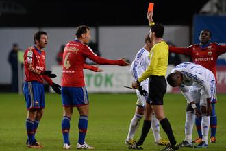 Алан Дзагоев вновь заработал красную карточку