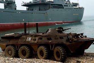Тактические учения бригады морской пехоты Тихоокеанского флота на полигоне Клерк в Приморском крае