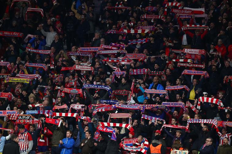 Болельщики «Атлетико» после победы команды в матче против «Ливерпуля» в Мадриде, 18 февраля 2020 года