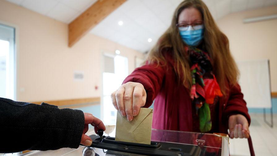 Выборы на паузе: коронавирус отменяет голосования