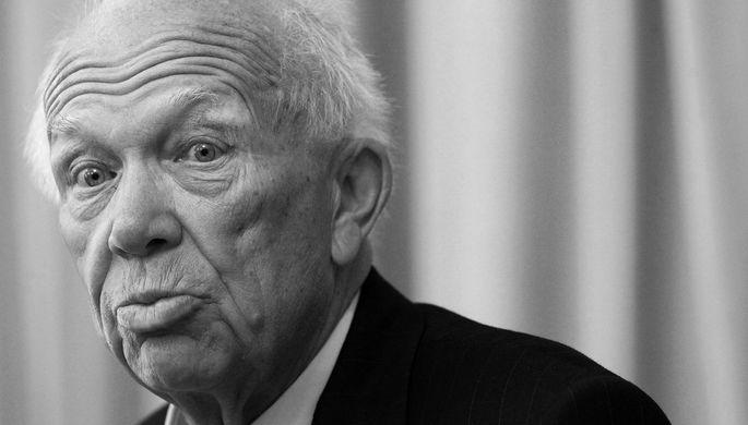 Стучал или махал: что делал Хрущев с ботинком в ООН