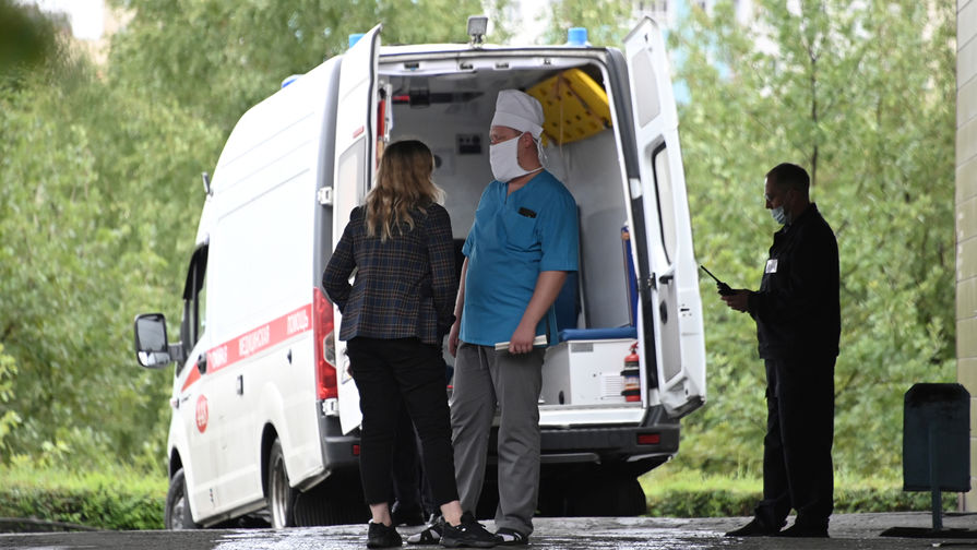 Ситуация у больницы в Омске, где находится Алексей Навальный, 20 августа 2020 года