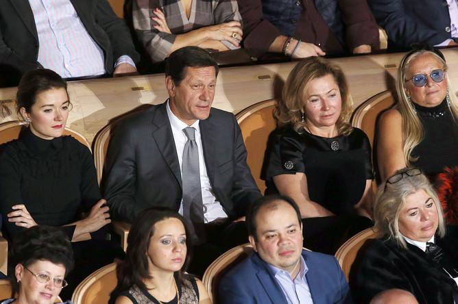 Актриса Надежда Михалкова, первый вице-спикер Госдумы РФ Александр Жуков с супругой и президент благотворительного фонда «Русский силуэт» (слева направо)