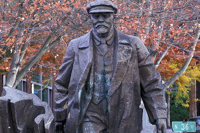 Памятник Ленину в Сиэтле, США, 2016 год