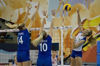 Женская сборная России по волейболу одержала тяжелую победу над Украиной в первом матче группового этапа чемпионата Европы.