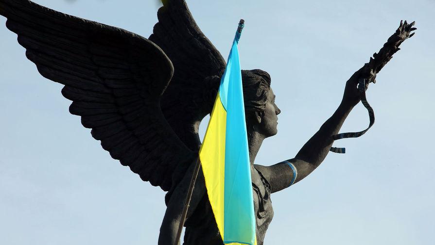 На Украине заявили о противоречивых моментах в статье Медведева