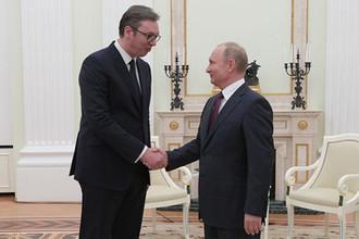 Президент России Владимир Путин и президент республики Сербии Александр Вучич во время встречи, 8 мая 2018 года