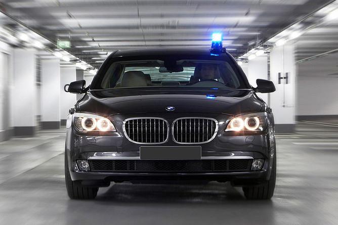 Image result for Черные автомобили чиновников