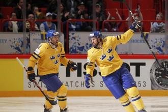 Шведы вернули себе первое место в группе