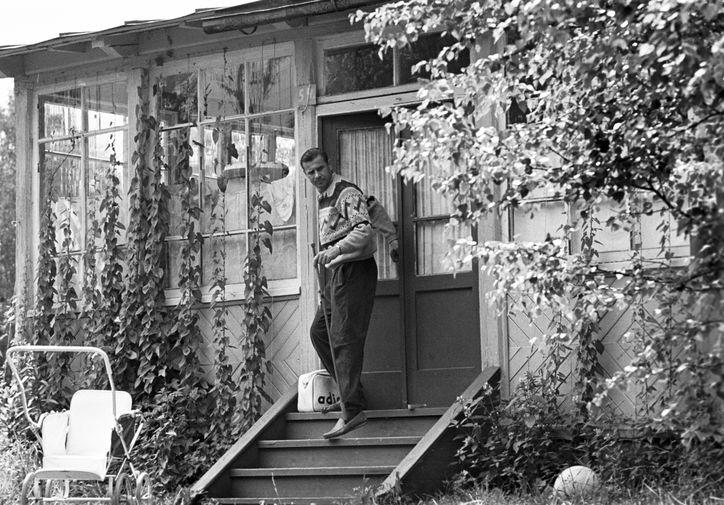 Лев Яшин во время сборов на рыбалку, 1969 год