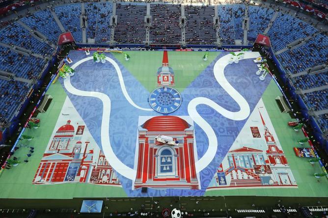 Во время церемонии закрытия Кубка конфедераций – 2017 большие часы пошли вспять и отправили зрителей в XIX век, когда в России был сыгран первый официальный футбольный матч