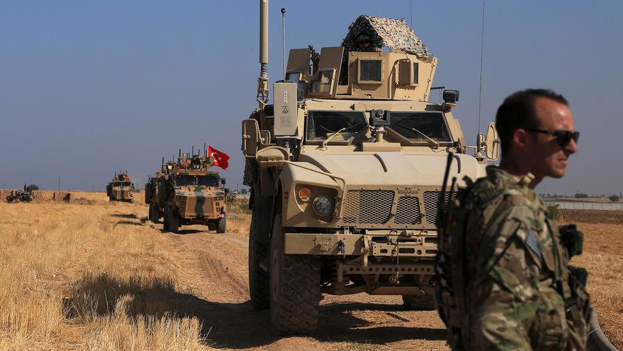 Курды подожгли нефтяные скважины на севере Сирии, сообщили СМИ