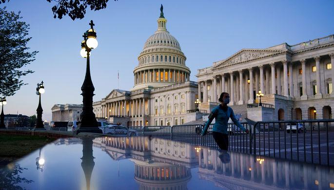 Поток санкций: США ударят по оператору российского газопровода