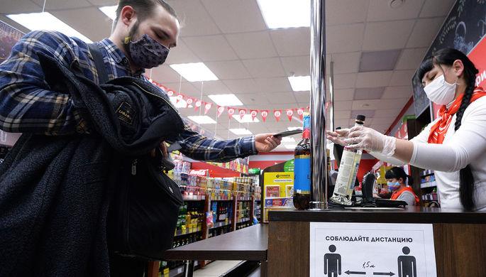 Мимо кассы: что не так с оборотом алкоголя в России