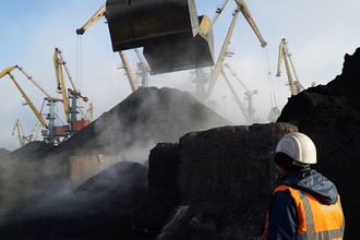 Ответ на санкции: Россия сократила поставки угля на Украину