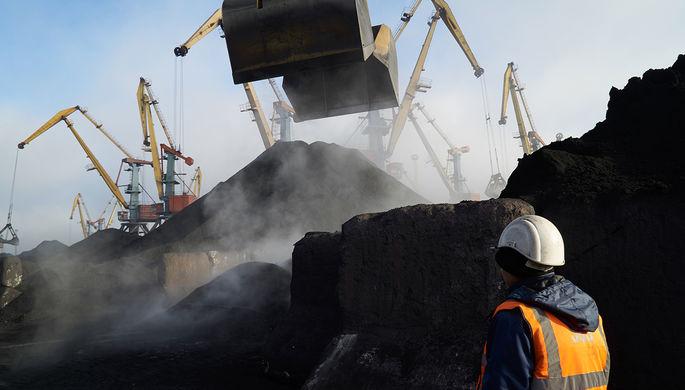 Судно с углем из США нанесло многомиллионный