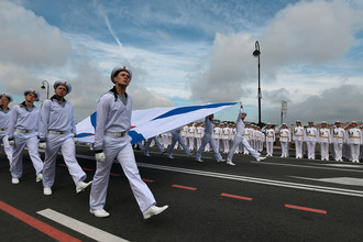 Во время главного военно-морского парада в честь Дня Военно-Морского Флота России в Санкт-Петербурге, 30 июля 2017 года