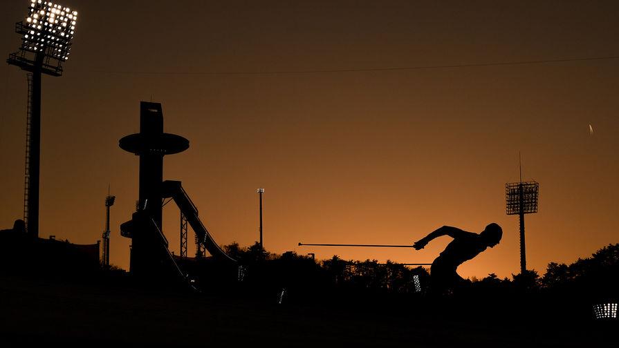 Российский спортсмен Александр Большунов на дистанции командного спринта среди мужчин в соревнованиях по лыжным гонкам на XXIII зимних Олимпийских играх в Пхенчхане, 21 февраля 2018 года