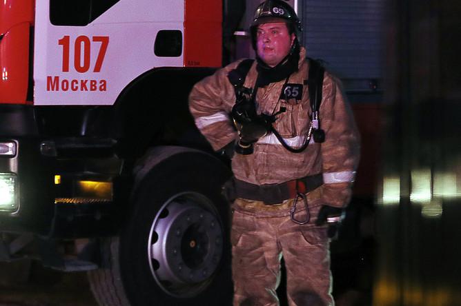 Во время пожара в доме престарелых на 3-й Мякининской улице в Москве, 8 апреля 2020 года