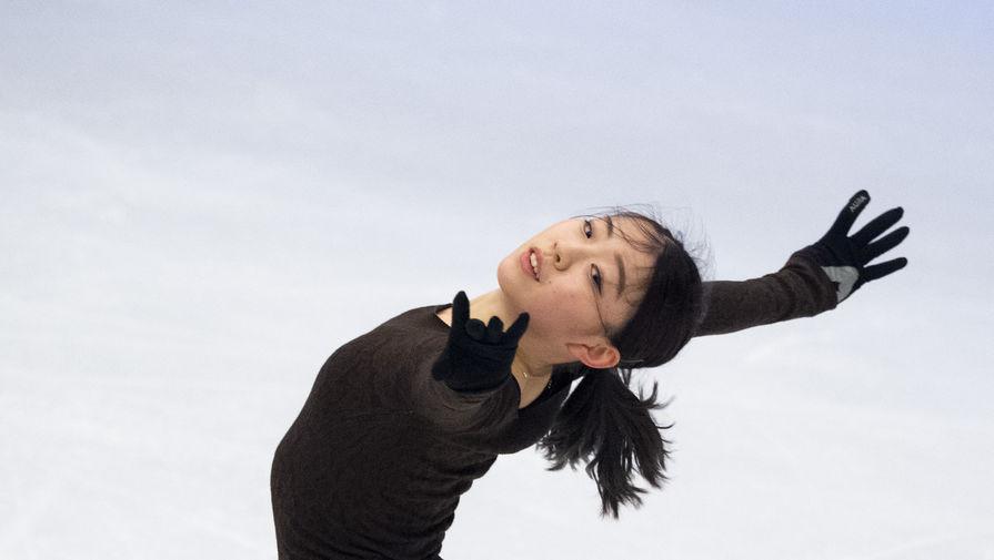 Японская фигуристка Рика Кихира на тренировке