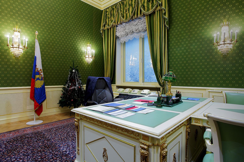 Перенесенный в стены музея подлинный кремлевский кабинет, в котором президент России Борис Ельцин работал с 1993 по 1996 год (Президентский центр Б.Н. Ельцина)