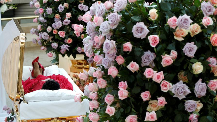 Прощание с Аретой Франклин проходило три дня: с 28 по 29 августа 2018 года в Музее афроамериканской истории имени Чарльза Райта и 30 августа в баптистской церкви Нового Вефиля, в которой проповедовал ее отец. Похороны состоялись 31 августа, церемонию транслировали в прямом эфире