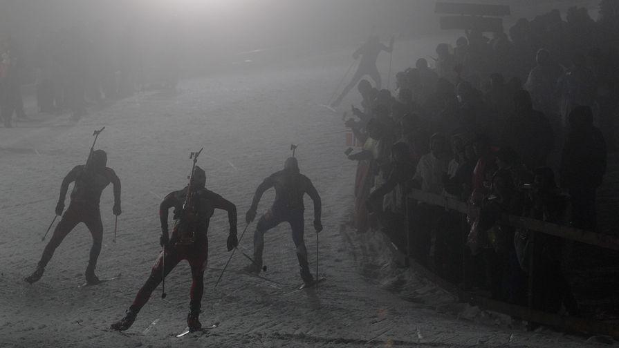 Биатлонист Клод расплакался на подиуме из-за исчезновения отца