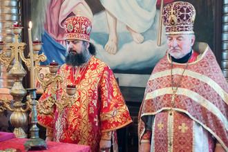 Главные участники церковного конфликта: епископ Герман (слева) и протоиерей Николай