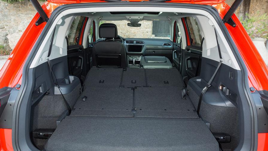 Volkswagen Tiguan Allspace. Увеличенная на 106мм колесная база позволила отодвинуть на 54мм назад...