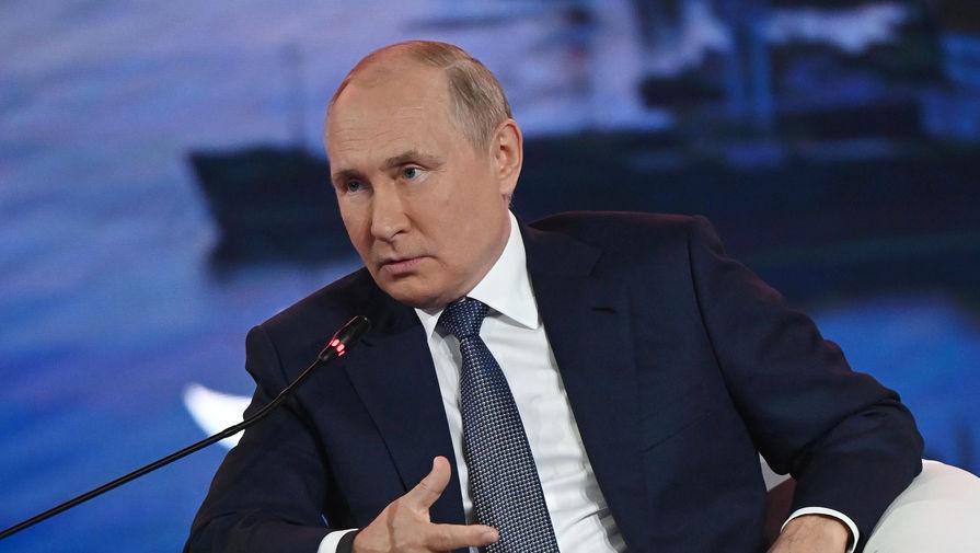 Путин заявил, что политика Украины меняется под давлением националистов