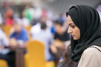 Шахматисток заставили в Иране облачиться в хиджабы