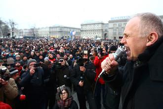 Бывший кандидат в президенты Белоруссии Николай Статкевич на протестной акции в Минске, 17 февраля 2017 года