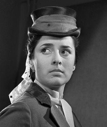 Актриса Малого театра Нелли Корниенко в роли Сашеньки в спектакле «Иванов», 1961 год