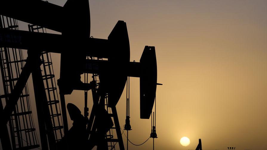 Нефть дорожает накануне вступления в силу сделки ОПЕК+