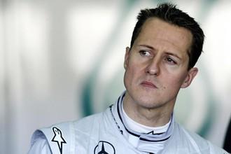 Семикратный чемпион мира по гонкам в классе машин «Формула-1» Михаэль Шумахер проходит курс лечения в собственном особняке в Швейцарии