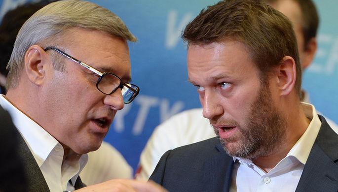 Михаил Касьянов и Алексей Навальный (слева направо)