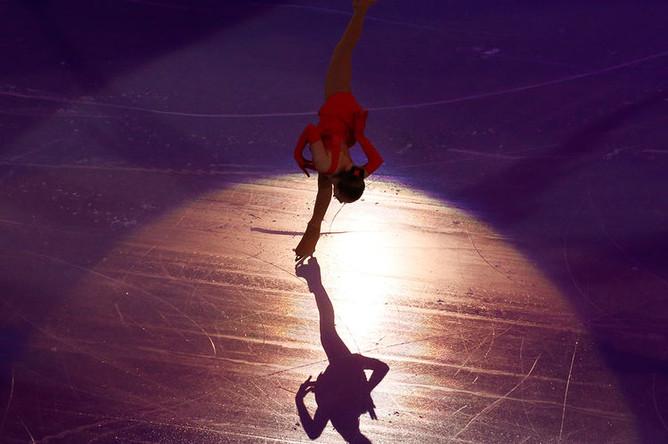 Фигуристка Юлия Липницкая во время показательных выступлений на Олимпиаде в Сочи, 2014 год