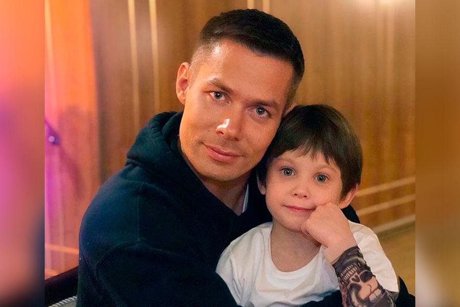 Избившая сына Пьехи женщина написала наребенка заявление вполицию - Газета.Ru