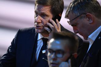 Президент Олимпийского комитета России (ОКР) Александр Жуков перед началом жеребьевки ЧМ-2018 по футболу в Москве, 1 декабря 2017 года