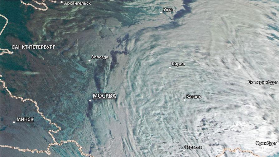 Рогозин показал снимок из космоса идущего на Москву циклона