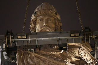 Во время установки памятника святому равноапостольному князю Владимиру на Боровицкой площади