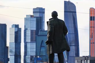 Ленина оставили в подвешенном состоянии