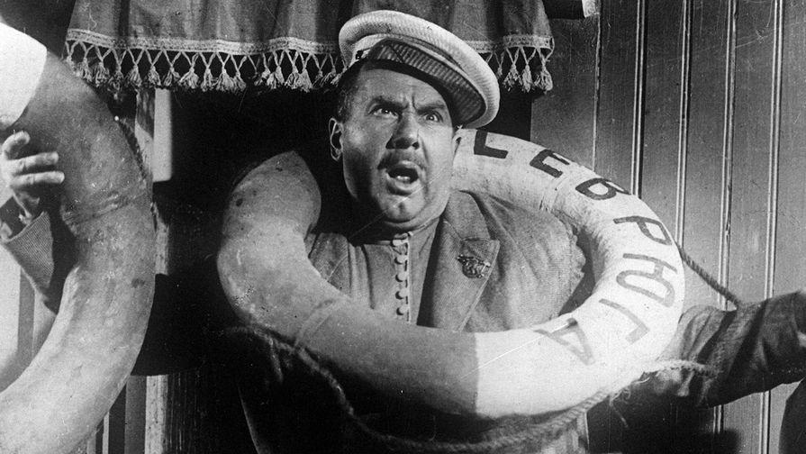 Актер Игорь Ильинский в фильме «Волга — Волга» (1938)