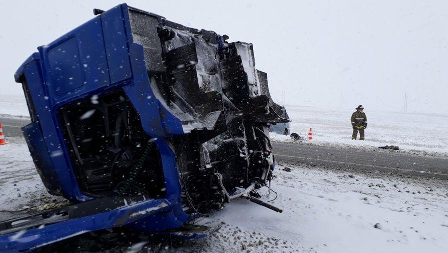 ДТП под Оренбургом: снегопад убил пять человек