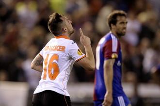 Хет-трик Пако Алькасера вывел «Валенсию» в полуфинал Лиги Европы