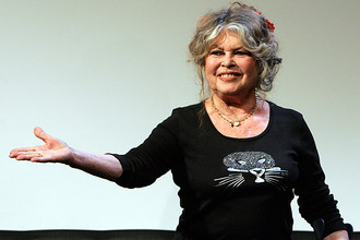 В 1986-м она открыла Фонд Брижит Бардо для благополучия и защиты животных (англ. Brigitte Bardot Foundation for the Welfare and Protection of Animals). Она стала вегетарианкой и заработала 3 млн франков, продавая на аукционе драгоценности и личные вещи, чтобы поддержать фонд. Сейчас она защитница животных